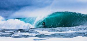 ACOTE extreme surfing iceland wave