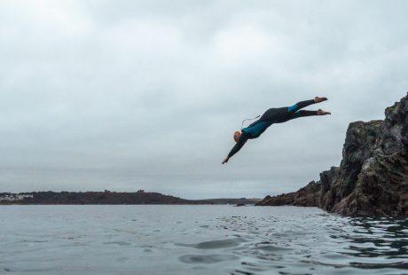 wild swimming cornwall dive