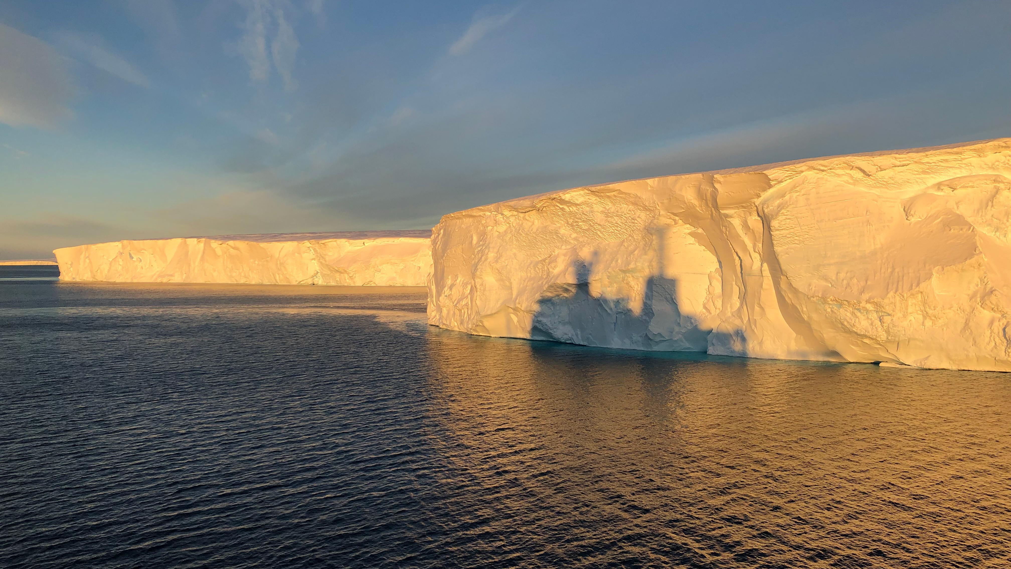 Thwaites glacier melt