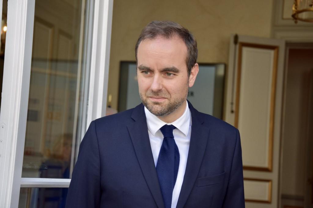 Usine de nickel en Calédonie:  Sébastien Lecornu prône «une grande fermeté» contre les blocages
