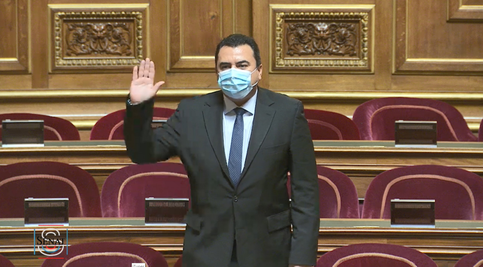 Teva Rohfritsch a prêté serment après avoir été élu à la Cour de Justice de la République. IL est le premier parlementaire ultramarin a y siéger ©Sénat