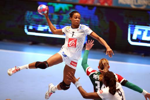 Handball: La Guadeloupéenne Allison Pineau, victime d'une fracture du nez, annonce son forfait pour l'Euro
