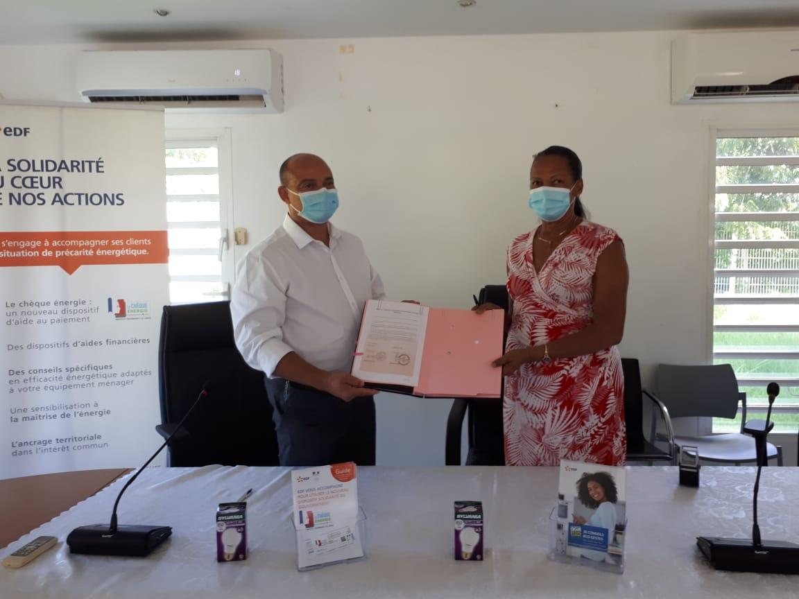 Guadeloupe : EDF signe plusieurs conventions pour la lutte contre la précarité énergétique avec des communes
