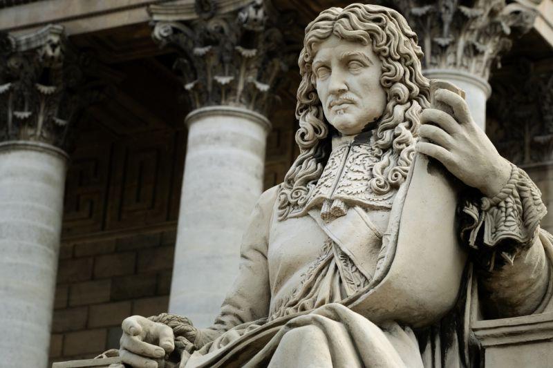 Statue de Colbert taguée : Procès renvoyé au 10 mai, une date qui fait tâche