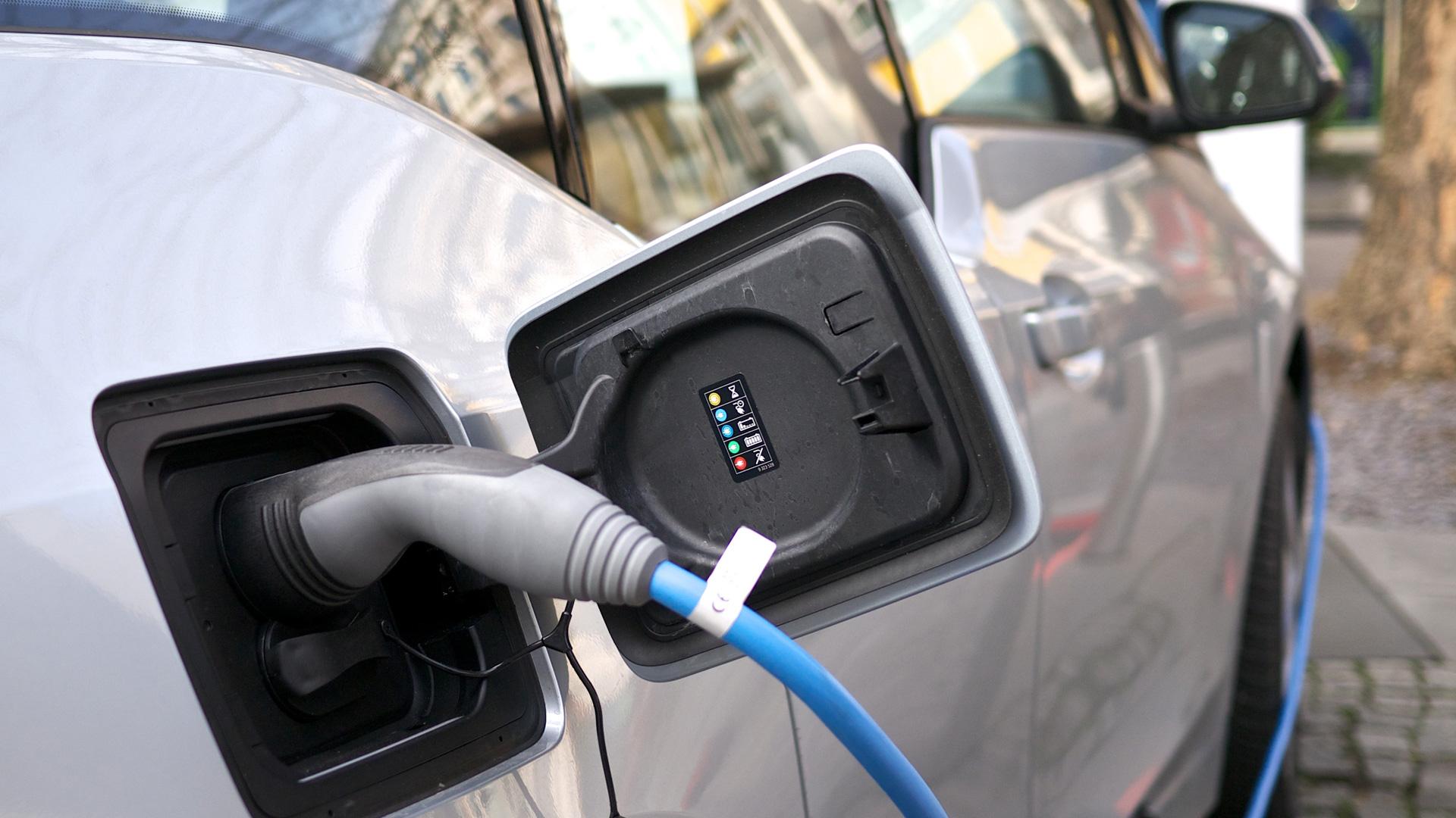 Le gouvernement annonce une majoration du bonus écologique automobile dans les DROM