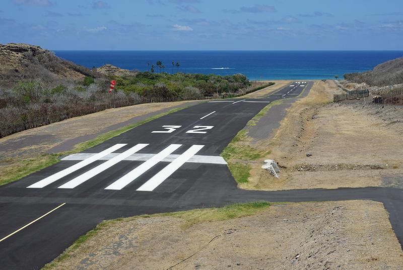L'aéroport de Ua Pou est réputé difficile, et nécessite une formation spéciale pour les pilotes ©Emmanuel Bonifait