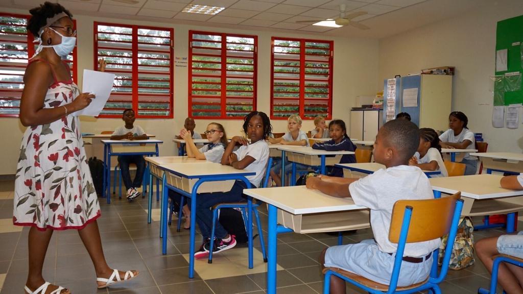 L'enseignement scolaire en Outre-mer: des moyens à mieux adapter à la realité des territoires, pointe un rapport de la Cour des Comptes pour le Sénat