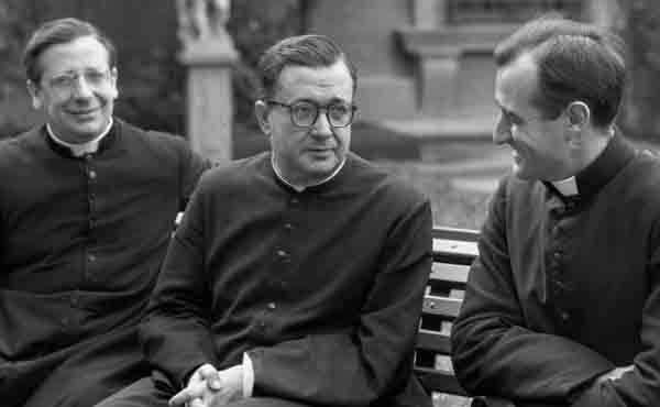 S. Josemaria, sacerdote