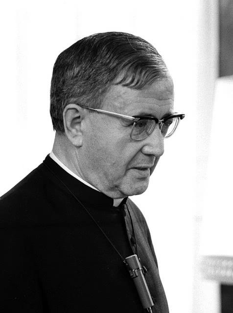 Wie verhielt sich der hl. Josefmaria während des Krieges als Priester?