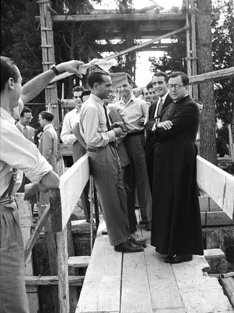 Auf welche Schwierigkeiten stieß das Opus Dei in seinen Anfängen?