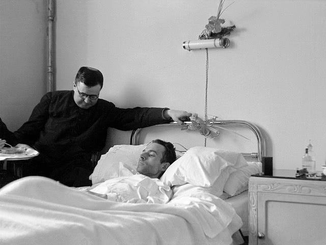 Hatten die Mitglieder des Opus Dei unter irgendeiner Art von Verfolgung oder politischen Repressalien zu leiden?