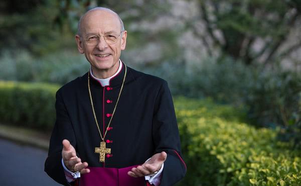Mons. Fernando Ocárizi biograafia