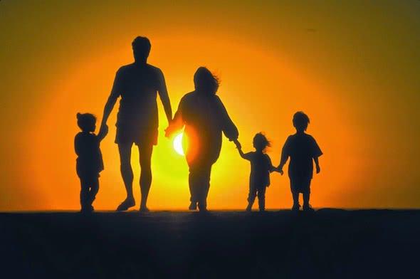 Familia y sociedad (€)
