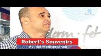 Benidorm fet a Mà. Robert's Souvenirs. Avenida del Mediterráneo
