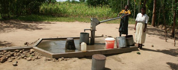 Waterpomp in Malawi