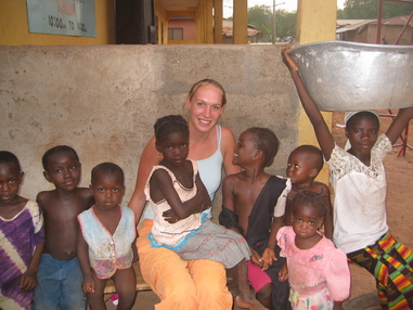 tussen_groep_afrikaanse_kinderen.jpg