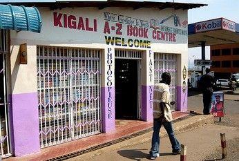 rwanda_boekwinkel.jpg