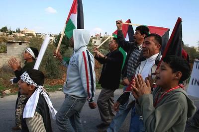 protesterende_palestijnse_jongeren.jpg