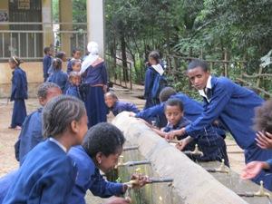 upload_Meisjes-in-Ethiopie