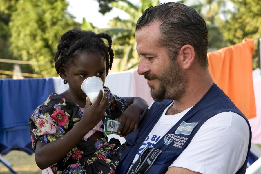 aid_worker.jpg