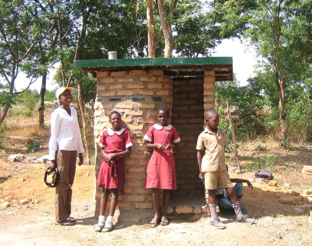20120925_wcs_doortrekken_zimbabwe.jpg