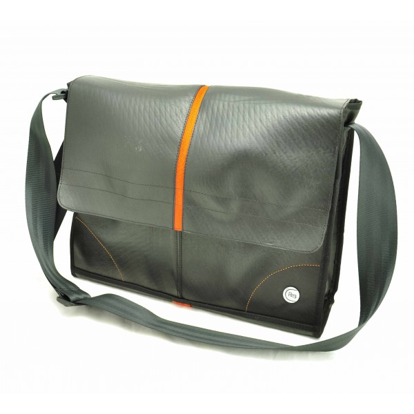 MoreThanHip Re3 Oberero autoband messenger bag