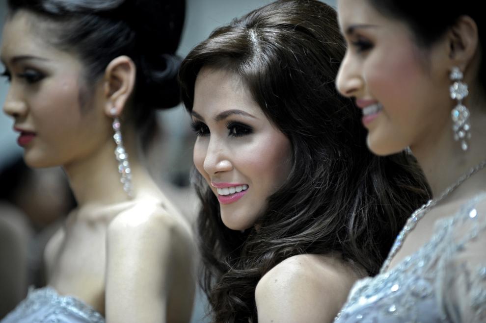 Thaise Khatoey tijdens een beautycontest foto CC