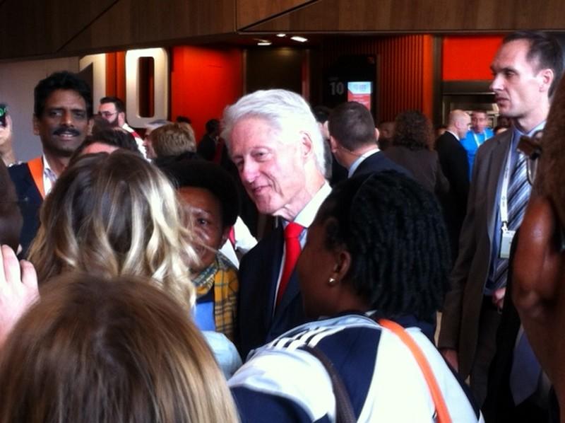 Bill Clinton Aids Melbourne MH17