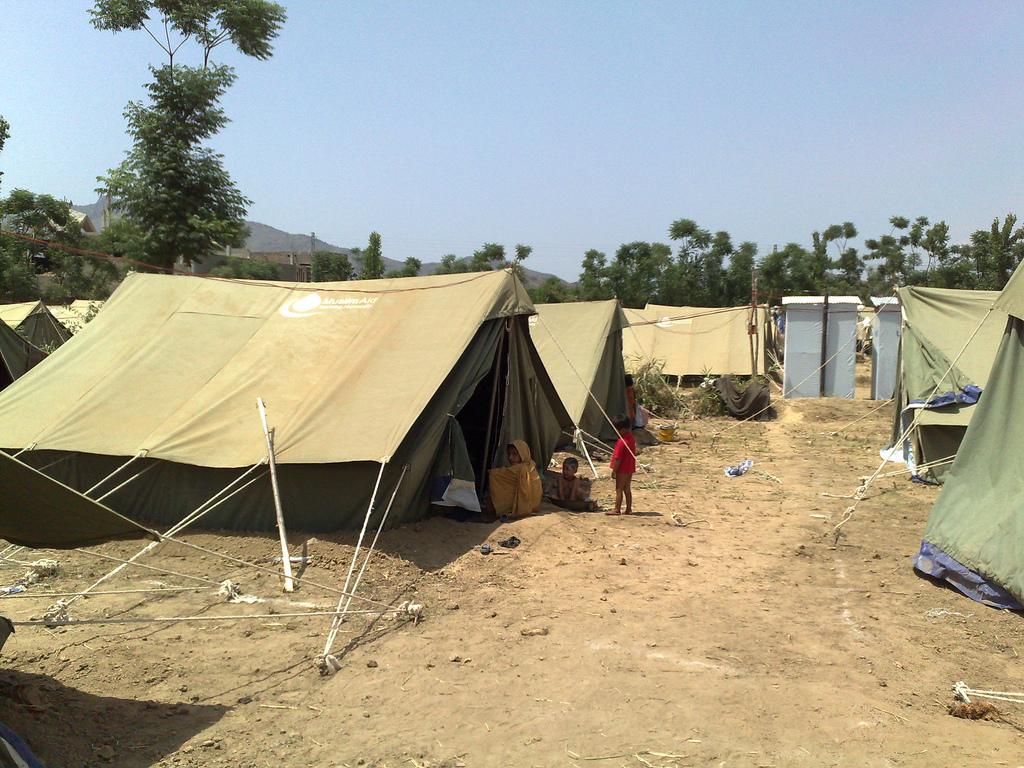 flickr_refugee_camp3559309744_e503af86e6_b.jpg
