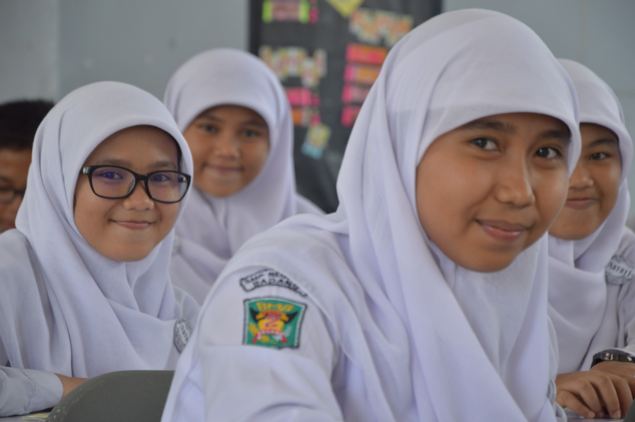 Meisjes op school moeten verplicht hoofddoek dragen in Atjeh