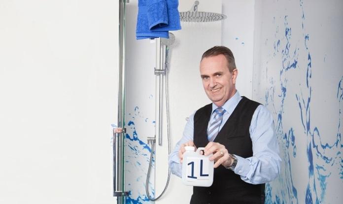 René Betgem met zijn Upfall Shower