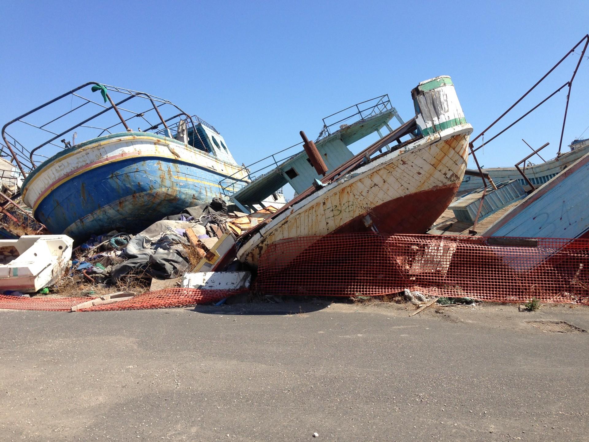 Gezonken vluchtelingenbootjes in Sicilië