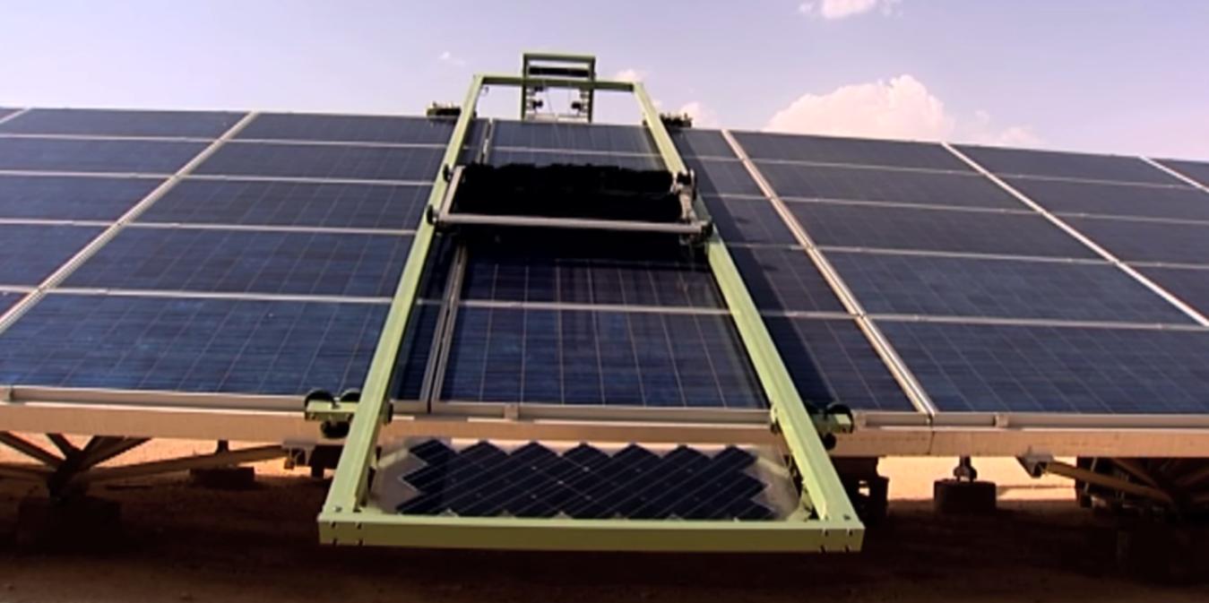 de schoonmaakrobot voor zonnepanelen