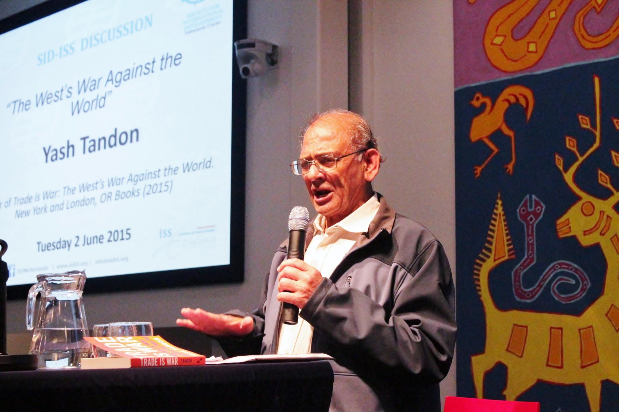 Yash Tandon bij SID in Den Haag