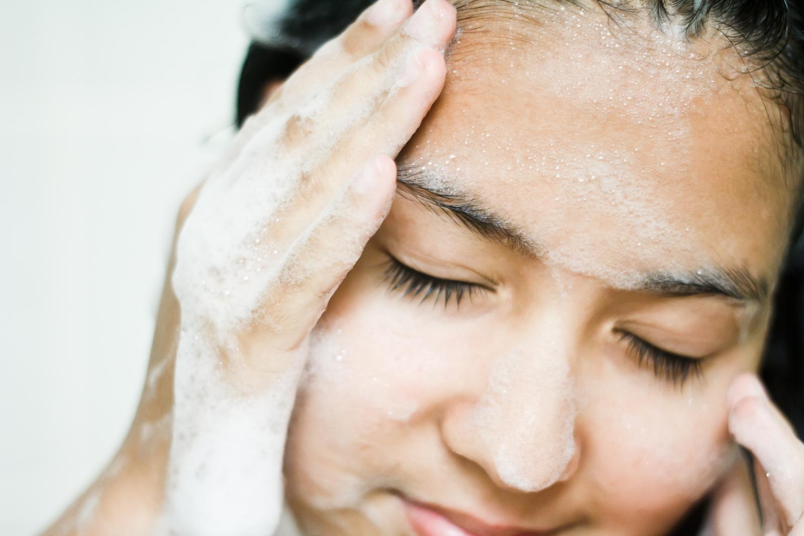 microplastics in scrubs in shampoo