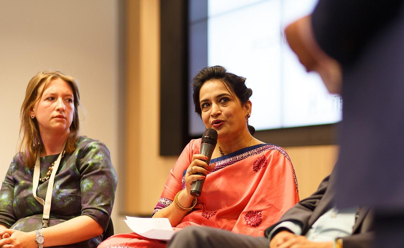 Selima Ahmad op de conferentie Human Rights & Business met links Stefanie Maier. Foto: Herre Vermeer