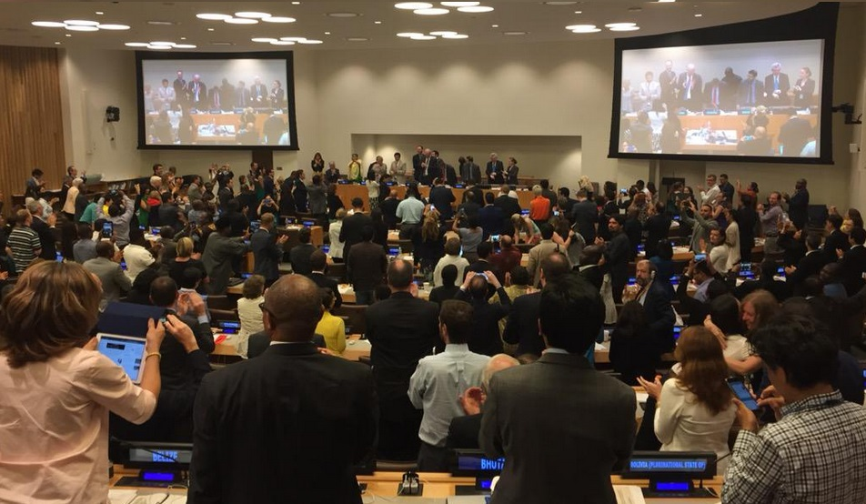 Applaus na het vaststellen van de tekst van de nieuwe ontwikkelingsagenda.