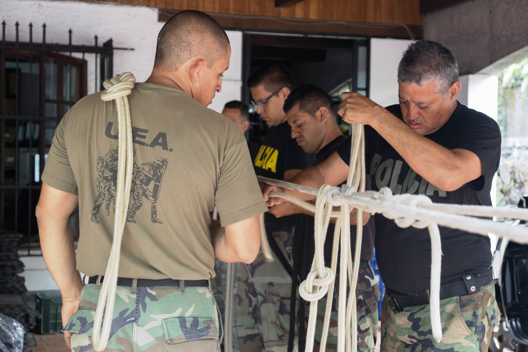 Commando's (UEA) tijdens een trainingssessie (Foto: Eline van Nes)