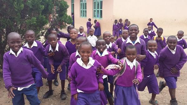 schoolkinderen in Uganda