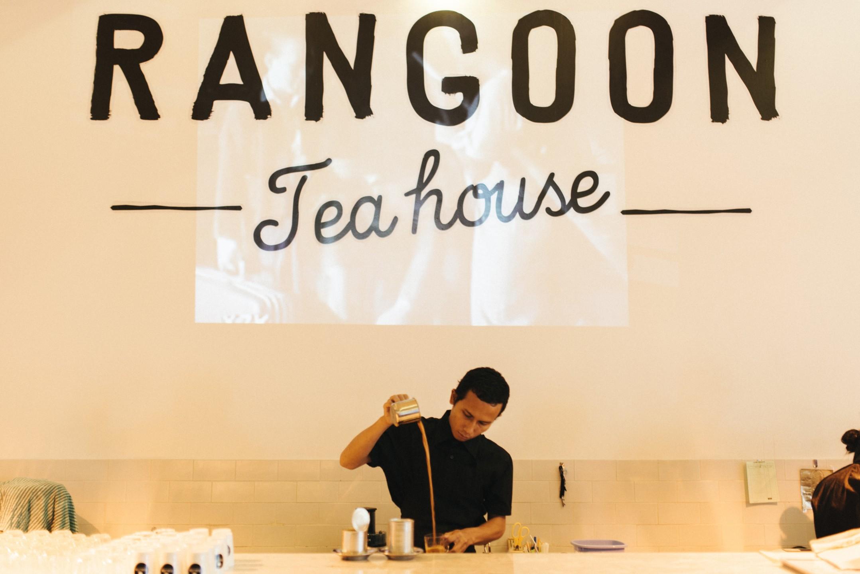 Rangoon Teahouse in Birma doet oude tijden herleven