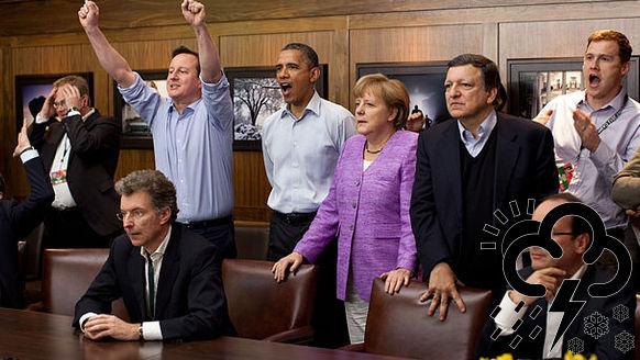 G7 leiders kijken samen voetbal