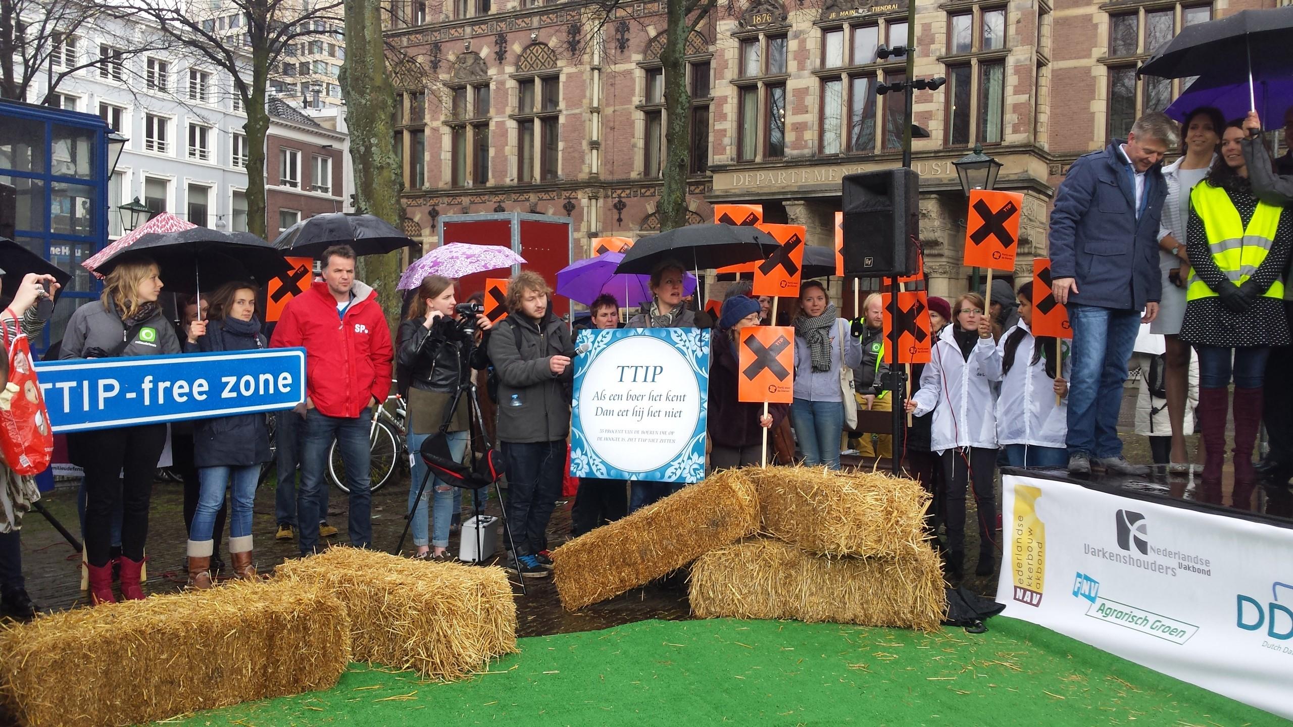 Boeren en Milieudefensie komen in opstand tegen TTIP