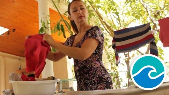 Met de juiste kleding de plastic soep wegwassen