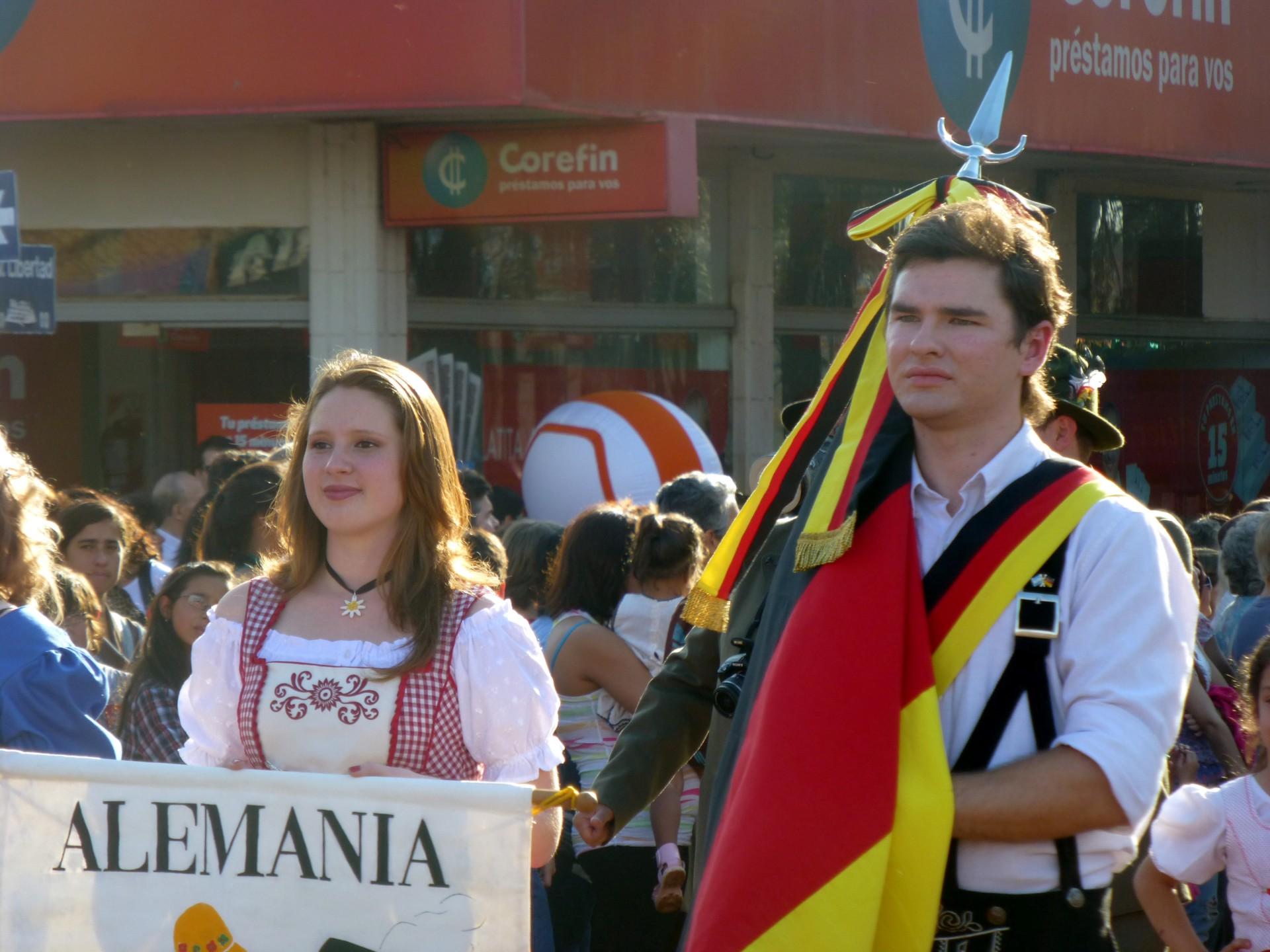 xxxiv_fiesta_nacional_del_inmigrante_-_desfile_-_colectividad_alemana.jpg