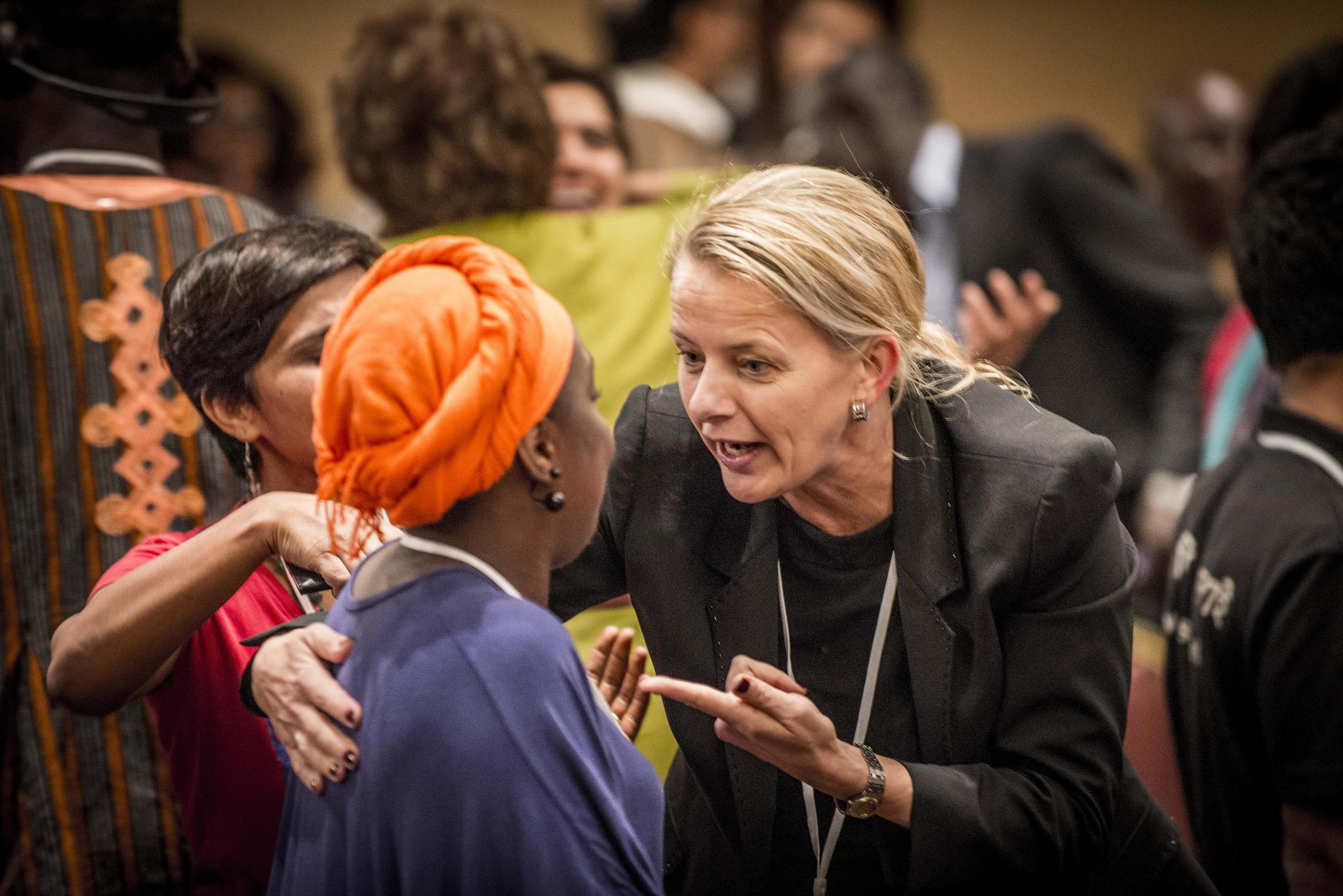 Prinses Mabel van Oranje tijdens meeting Girls not Brides in Marokko