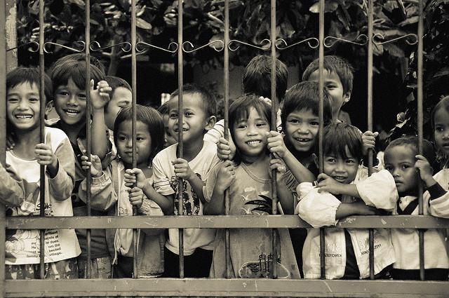 kinderen_in_een_weeshuis_in_vietnam._foto_flickr_tormod_sandtorv.jpg