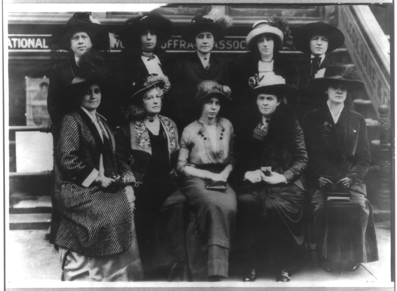 1280px-group_of_10_suffragettes.png