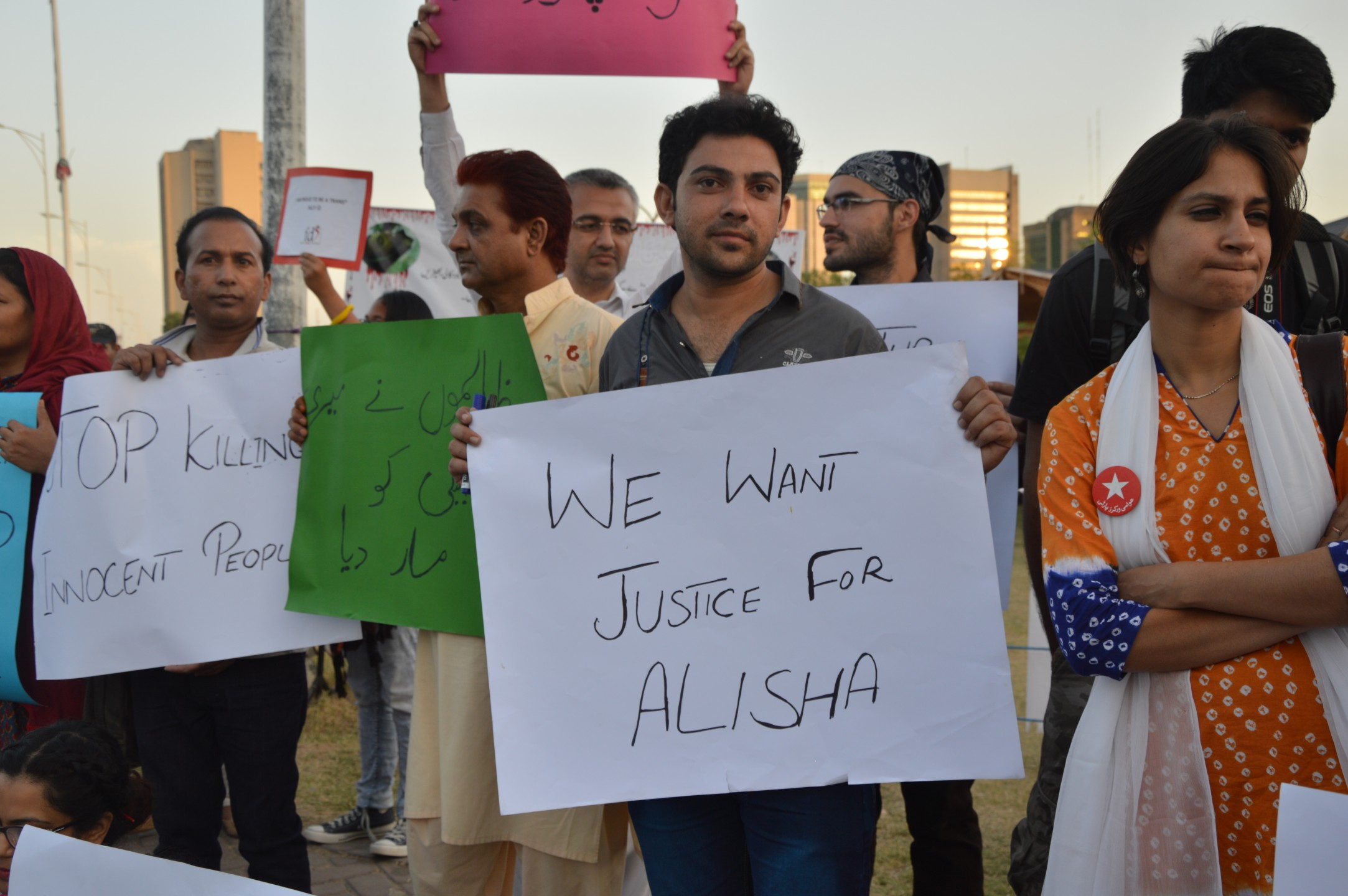 demonstratie_moord_op_transgender_in_islamabad.jpg