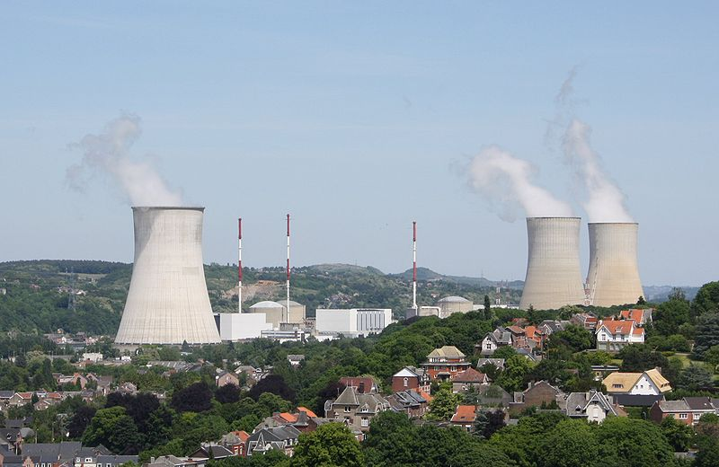 800px-tihange_-_nuclear_power_plant.jpg