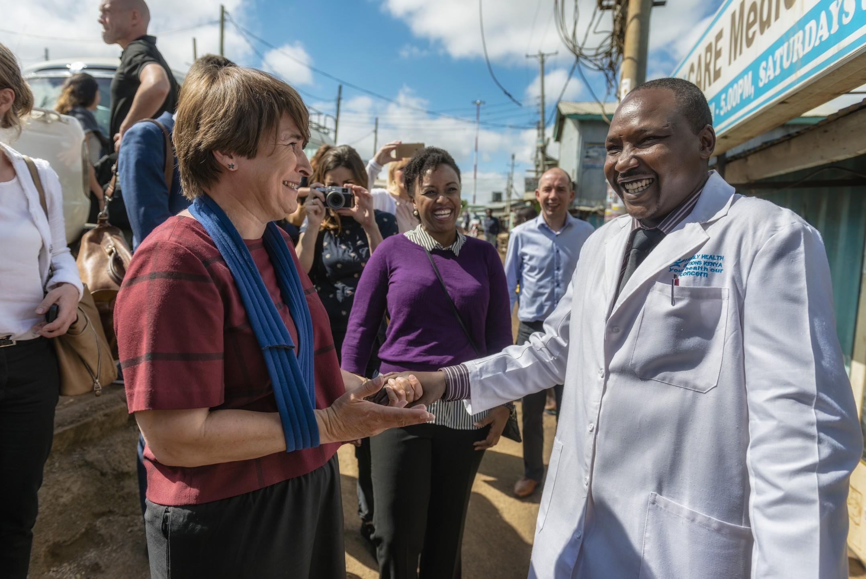 Minister Ploumen tijdens een She Decides bezoek aan Kenia